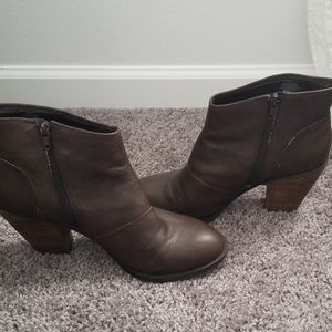 Dark Brown Jessica Simpson Bootie-Size 9.5 Fits 9